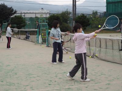 大人気!テニス教室(親子ペア)のご紹介 (動画)